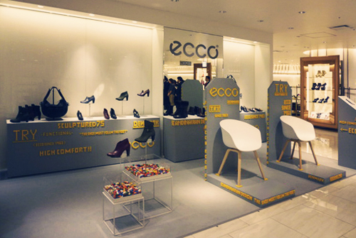 ecco isetan display photo